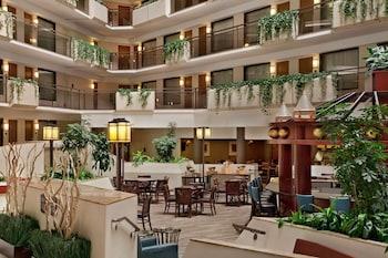 坎薩斯城歐弗蘭派克大使套房飯店 Embassy Suites Kansas City - Overland Park
