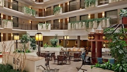 Embassy Suites Kansas City - Overland Park