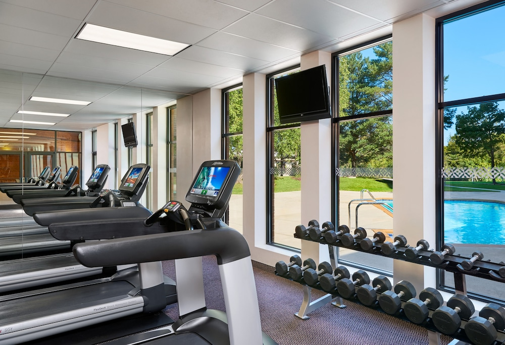 Health and Fitness : Fitness Facility 27 of 74