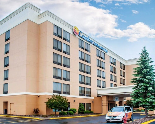 . Comfort Inn & Suites Watertown - 1000 Islands