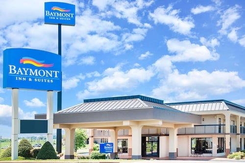 . Baymont by Wyndham Clarksville Northeast