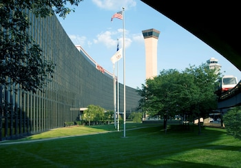 芝加哥奧黑爾機場希爾頓飯店 Hilton Chicago O'Hare Airport