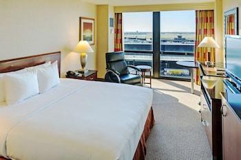 Room, 1 King Bed, Accessible, Bathtub