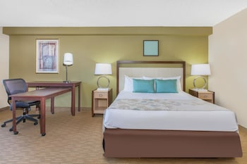 Hawthorn Suites by Wyndham Midwest City Tinker AFB - Property Image 2