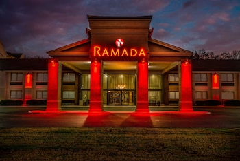塔斯卡盧薩溫德姆華美達飯店 Ramada by Wyndham Tuscaloosa