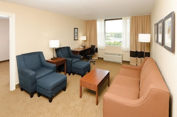 Des Moines Vacations - Comfort Inn & Suites Event Center - Property Image 1