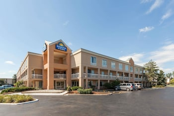 Fairfield Inn by Marriott Detroit Warren-Sterling Heights
