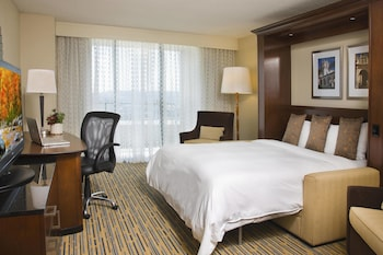 Guestroom at San Diego Marriott Mission Valley in San Diego