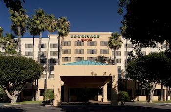 Courtyard by Marriott Cypress - Hotel Entrance  - #0