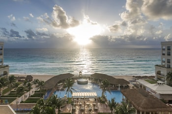 Book Marriott CasaMagna Resort Cancun in Cancun.