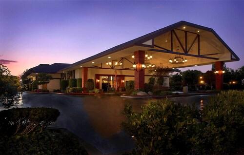 . University Square Hotel