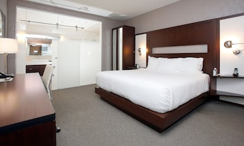 Courtyard Room, 1 King Bed