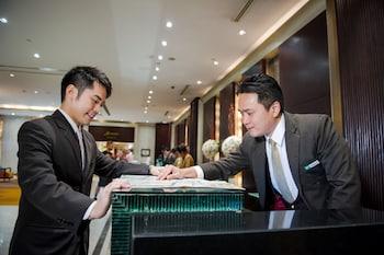 曼谷是隆假日飯店
