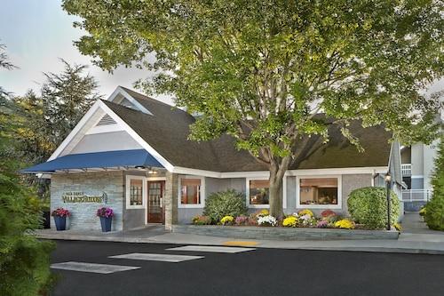 . New Haven Village Suites