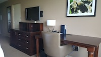 Club Room, Business Lounge Access