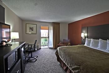 Premier 1 king bed Balcony