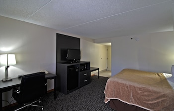 Premier Room, 1 King Bed, Courtyard View