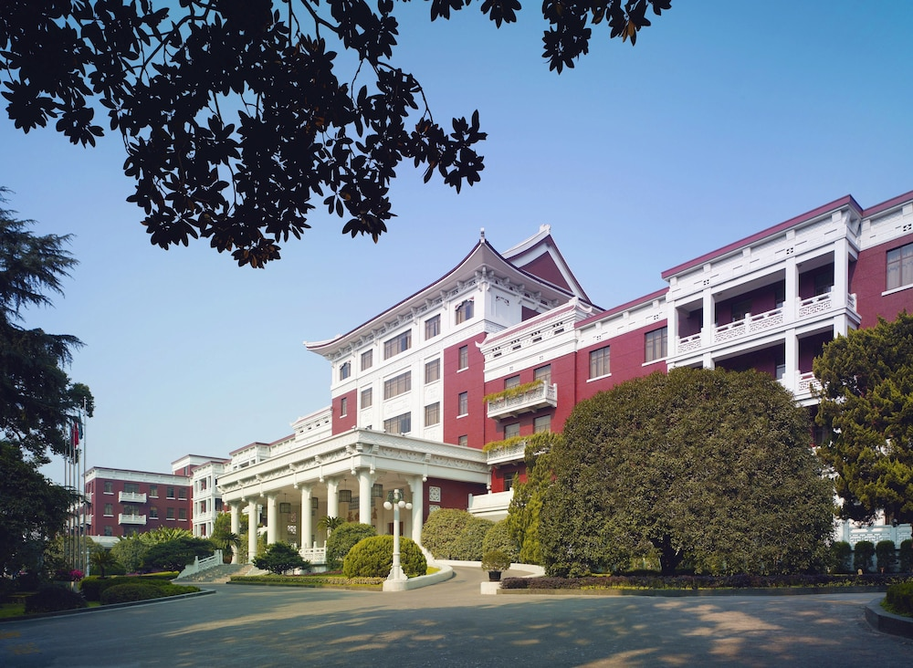 シャングリラ ホテル 杭州 (杭州香格里拉飯店)