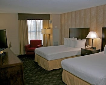 Guestroom at Doubletree by Hilton Hotel Norfolk Airport in Norfolk