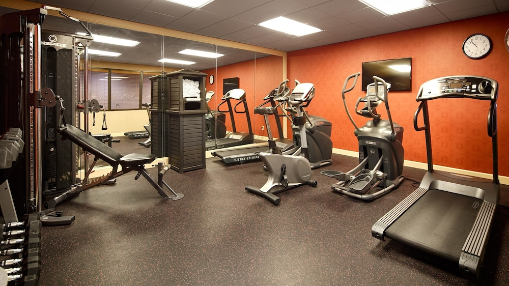 Health and Fitness : Fitness Facility 6 of 20
