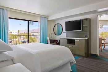 Executive Suite, 1 King Bed with Sofa bed, Mountain View