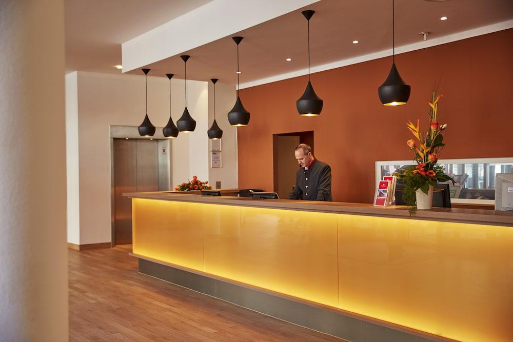 H4 호텔 함부르크-베르게도르프(H4 Hotel Hamburg-Bergedorf) Hotel Image 26 - Reception