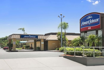 Hotel - Howard Johnson by Wyndham Winter Haven FL