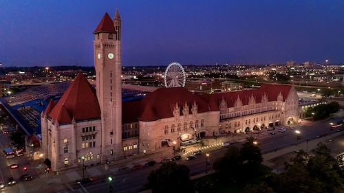 __{offers.Best_flights}__ St. Louis Union Station Hotel, Curio Collection by Hilton