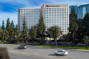 Warner Center Marriott Woodland Hills photo