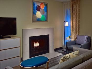 Studio Suite, 2 Queen Beds, Fireplace