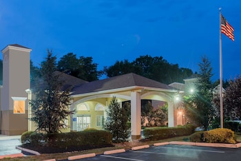 Hotel - Days Inn & Suites by Wyndham Cherry Hill - Philadelphia