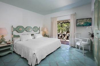 Deluxe Suite, 1 King Bed, Garden View