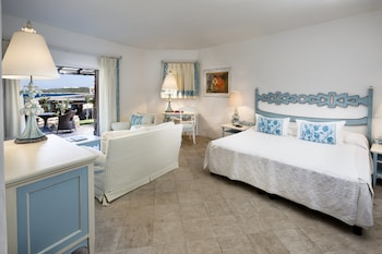 Superior Room, 1 King Bed, Balcony, Partial Sea View