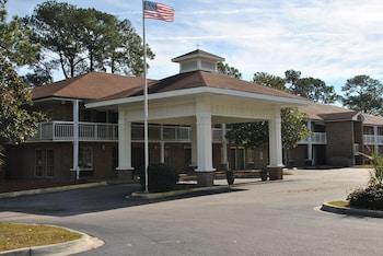 博福特美國最佳套房飯店 America's Best Inn and Suites Beaufort