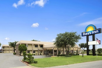 Hotel - Days Inn by Wyndham Dallas Irving