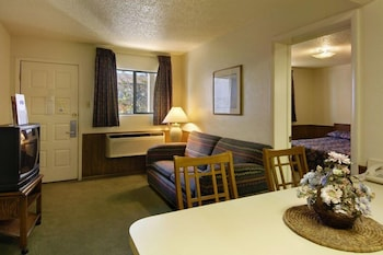 Hotel - Tulsa Extended Stay Inn and Suites