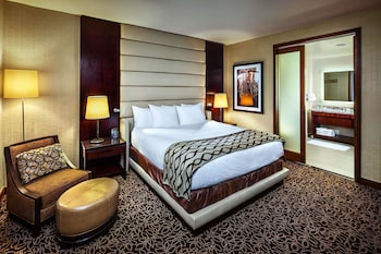 Presidential Suite, 1 King Bed, Jetted Tub