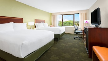 Room, 2 Queen Beds, Non Smoking, View (Empire View)