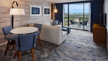 Suite, Corner (Marina)