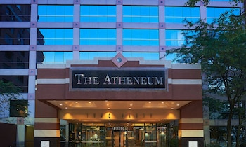 雅典廟宇套房飯店 Atheneum Suite Hotel