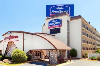 Hotel - Howard Johnson by Wyndham Arlington Ballpark / Six Flags