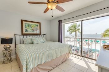 Beachfront Suite with King studio with a sleeper sofa, Full Kitchen, Annex Building, No Elevator