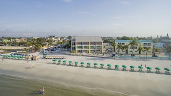 Hotel - Pierview Hotel & Suites