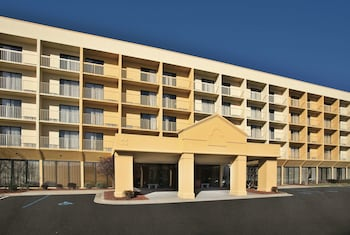Hotel - La Quinta Inn & Suites by Wyndham Kingsport TriCities Airpt