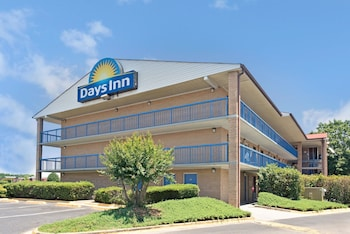 Days Inn Charlotte Northlake photo
