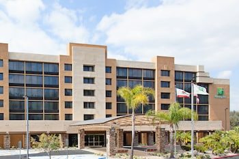 鑽石酒吧假日飯店 - 波莫納 Holiday Inn Diamond Bar - Pomona, an IHG Hotel
