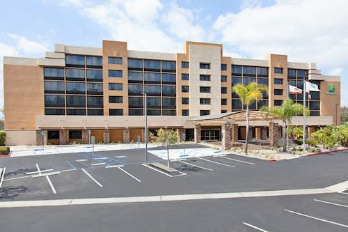 . Holiday Inn Diamond Bar - Pomona