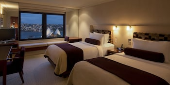 Room, 2 Double Beds (Opera House View)