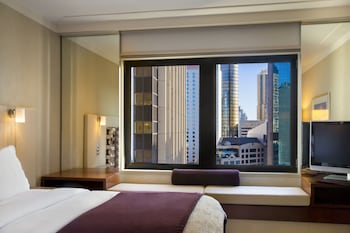 Superior Room, 1 King Bed (City Side, High Floor)