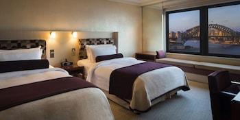 Room, 2 Double Beds (Harbour Bridge View)